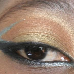 Aisthetikos 2/7 Eyeliner